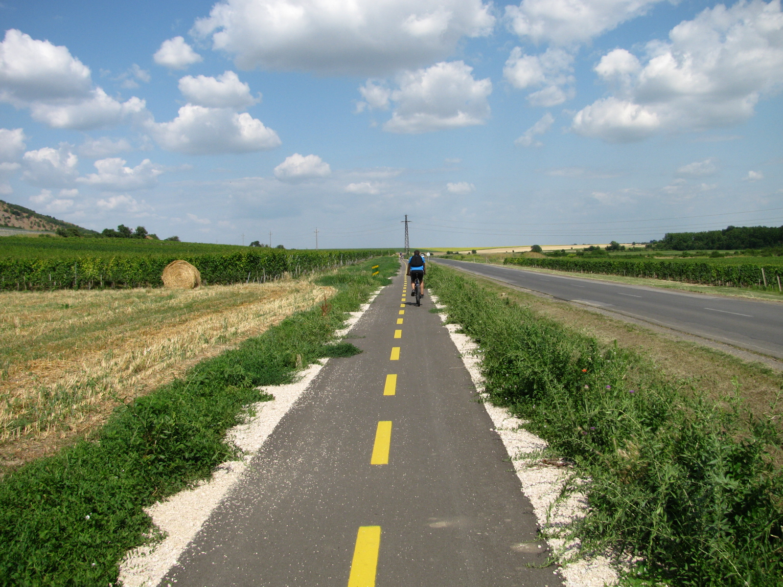 Nagyharsány - bicycle path (photo: DDRFÜ).